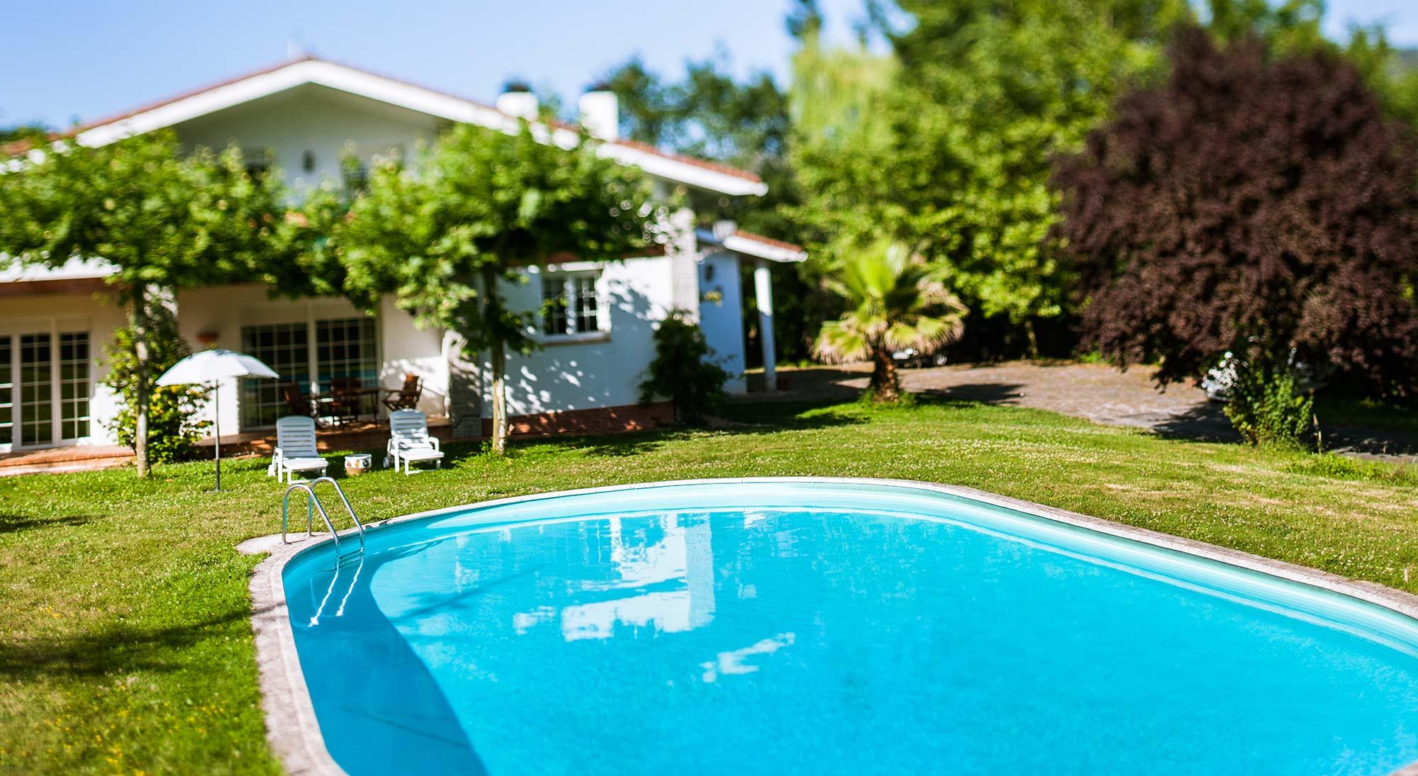 Cr Usko piscina y Jardin